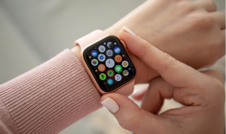 Apple Watch Series 4: smartwatch leva prêmio de melhor tela do mundo