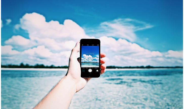 Capa de celular à prova d'água: conheça 4 modelos para comprar no Brasil