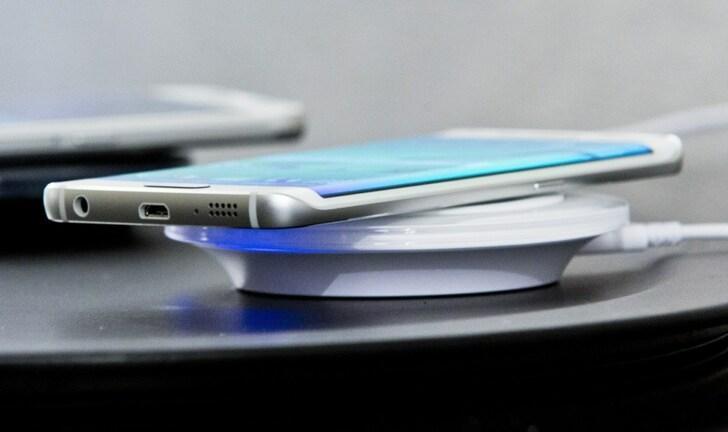 Carregadores de celular sem fio: vale a pena comprar?