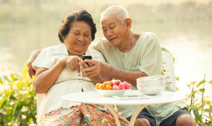 Celular para idoso: conheça os novos aparelhos da DL