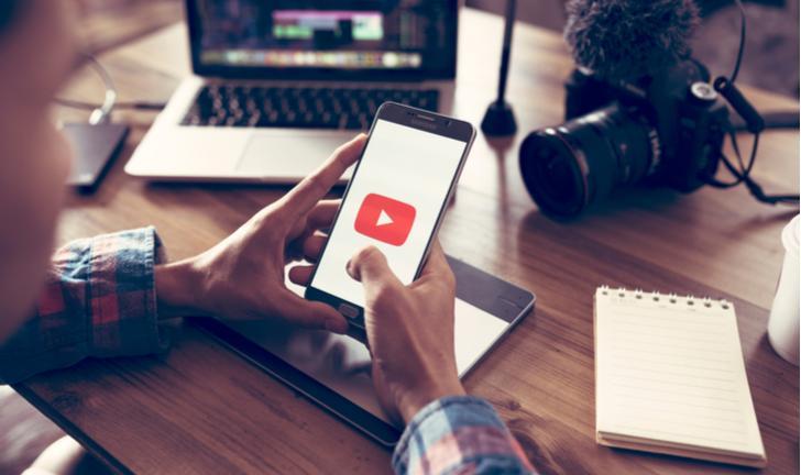 Como criar um canal no YouTube pelo celular?