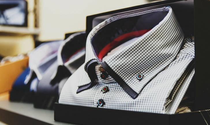 Como dobrar camisa social