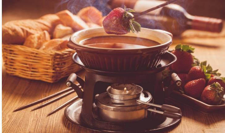 Como fazer fondue de chocolate?