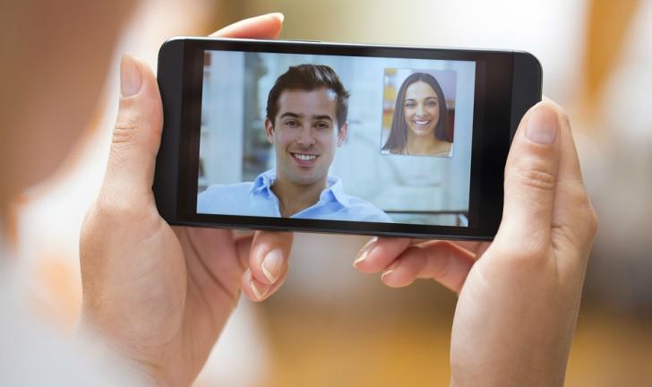 Como fazer uma videochamada pelo celular?