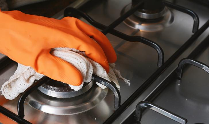 Como limpar fogão de inox?