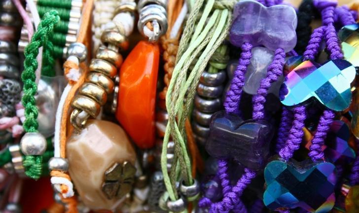 Como organizar bijuterias? Veja 10 dicas