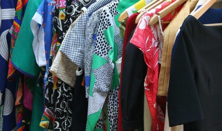 Como organizar guarda-roupa de casal?