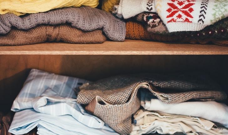 Como organizar guarda-roupas pequeno?