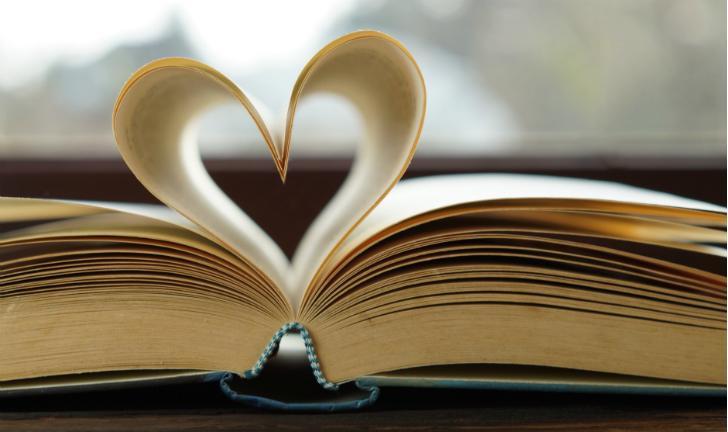 Dia dos Namorados: veja 8 dos melhores livros para presentear quem você ama!