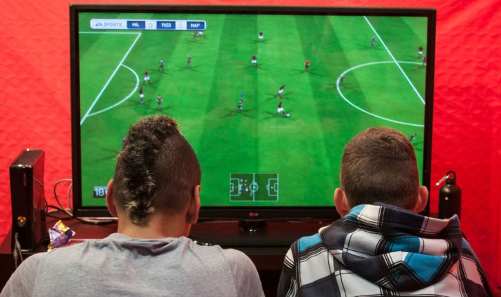 FIFA 15 x PES 15: Qual o melhor jogo de futebol?