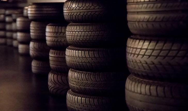 Firestone ou Pirelli? Saiba quais são as diferenças entre as marcas!