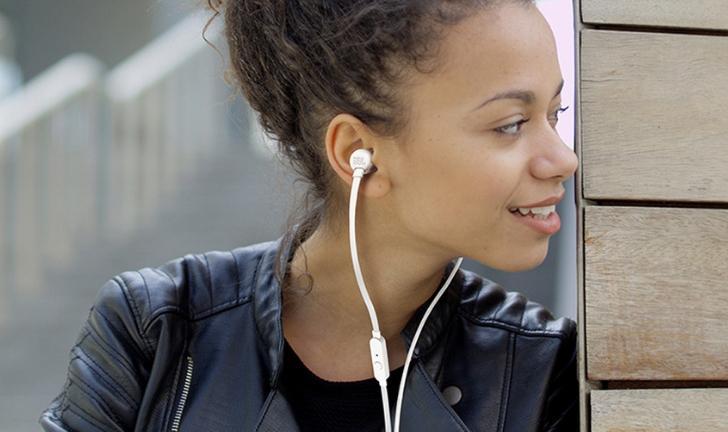 Fone de ouvido JBL T110 é bom? Conheça preço e ficha técnica