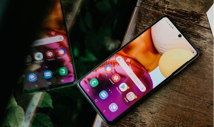 Galaxy A71: intermediário Samsung chega ao Brasil com preço de top de linha