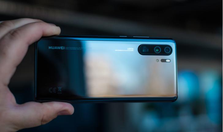 Huawei volta ao Brasil com P30 Pro e P30 Lite; preço começa em R$ 2.499