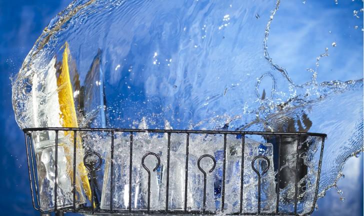 Lava-louças economiza água?