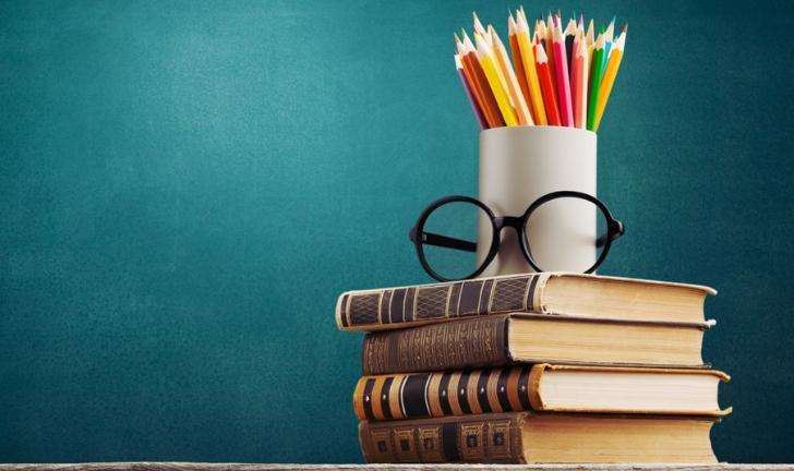 Livros para o ENEM: veja opções para estudar Português e Literatura -  DeUmZoom