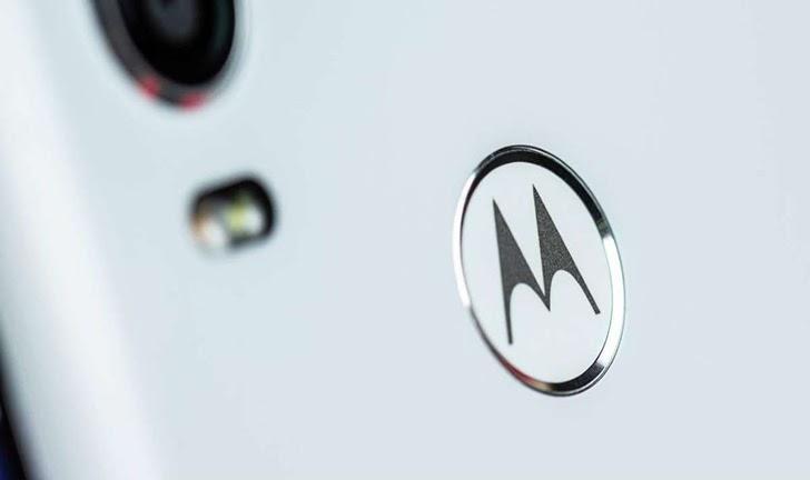 Motorola Edge pode ser o primeiro celular da marca com tela curva de 90Hz