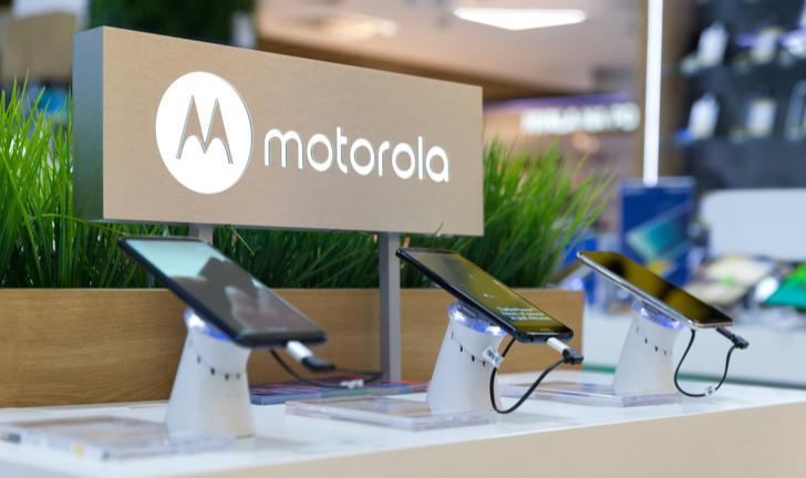 Motorola Moto Z4 aparece com câmera traseira única e notch em vazamento