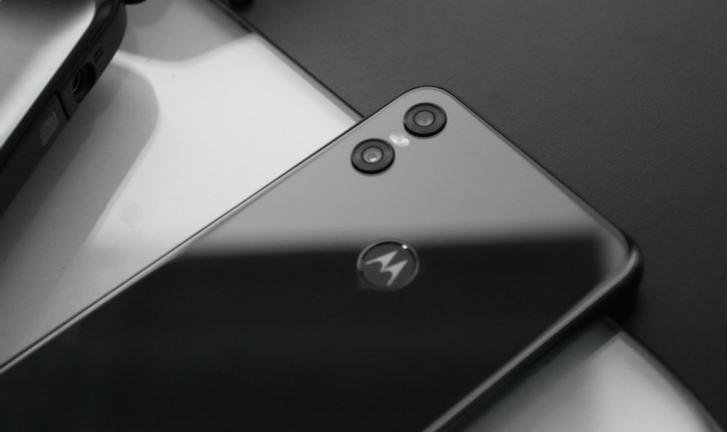 Motorola One Vision? Fabricante marca evento no Brasil para 15 de maio