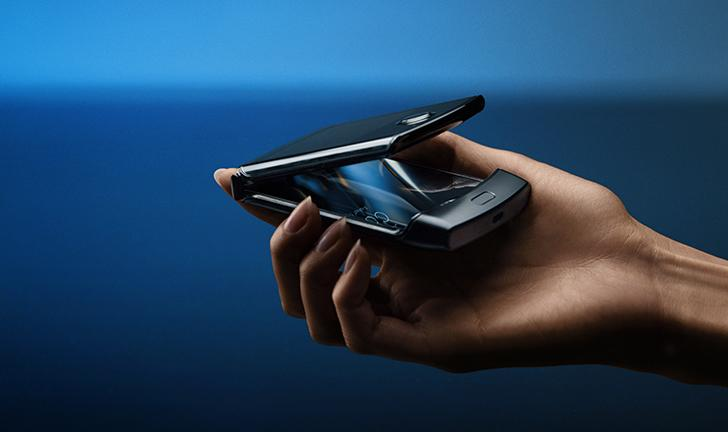 Motorola RAZR: sucessor do V3 é lançado com Android e tela dobrável