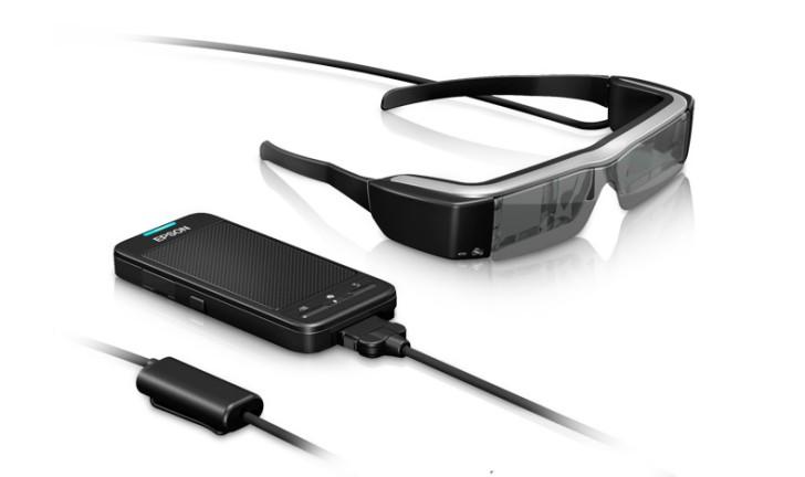 Óculos 3D da Epson: tecnologia contribui com a inclusão de deficientes auditivos