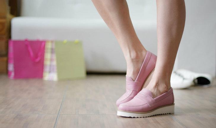 Os 10 tipos de sapatos flatform que são tendência em 2019