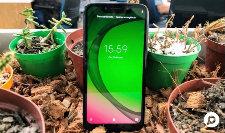 """Review Moto G7 Play: uma análise do """"basicão"""" da Motorola"""