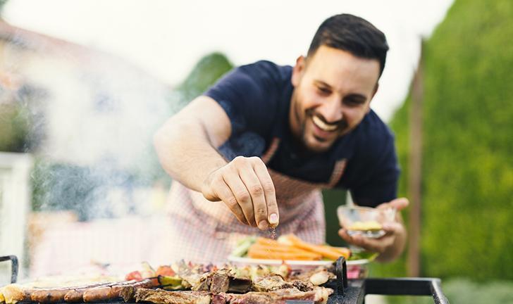 Usando um grill: como fazer churrasco em casa?