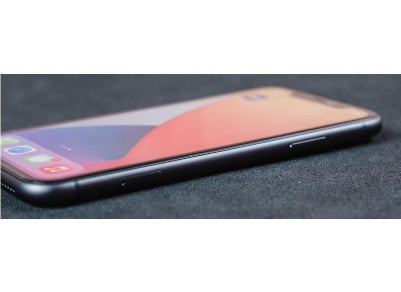 Smartphone Apple iPhone 11 64GB Câmera Dupla Apple A13 Bionic iOS 13