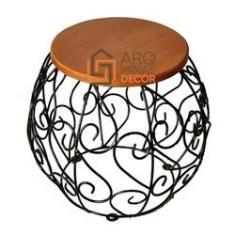 Imagem de Banco Arabesco Ferro e madeira redondo Jardim, cozinha, area gourmet para decoração rústica