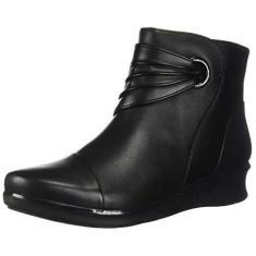 Imagem de CLARKS Women's Hope Twirl Ankle Boot