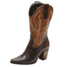 Imagem de Bota Texana feminina bico fino cano e salto alto couro estampa cobra marrom e liso caramelo Pierrô