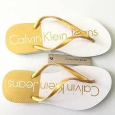 acf0b19dda414 Foto Chinelo Feminino Calvin Klein Jeans Biocolor Branco Dourado   Shoptime
