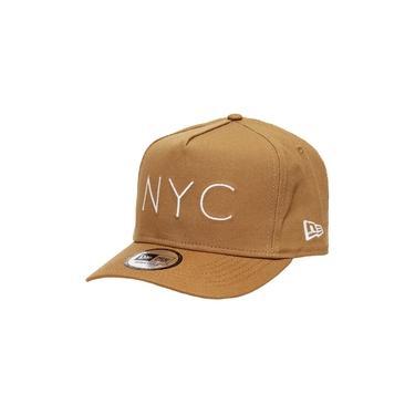 Boné New Era Aba Curva 940 SN Brand AF NYC Marrom Claro