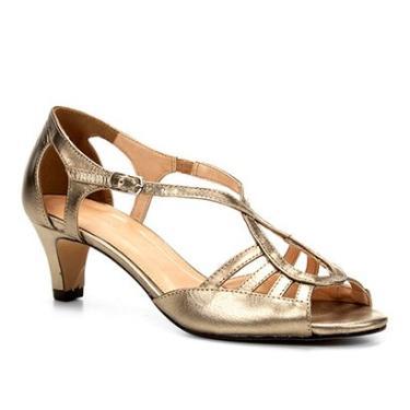 75ac8218f Sandália Couro Shoestock Salto Grosso Ondas Feminina - Feminino Prata