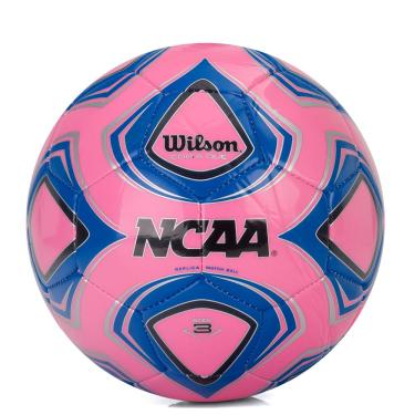 a5521011e3106 Bola de Futebol de Campo Wilson Copia Due NCAA Replica Match Ball Rosa e  Azul -