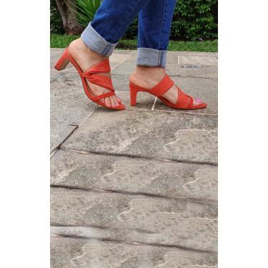 Sandália Fita Camurça Salto Reto e Bico Folha Le scarpe di Bruna - Ocre  feminino