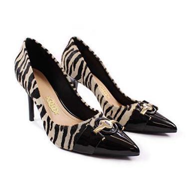 Scarpin Couro Salto Alto Fino Bico Fino Zebra PB e Verniz Preto com Acessório (36 BR | 7 USA | 38 EUR)