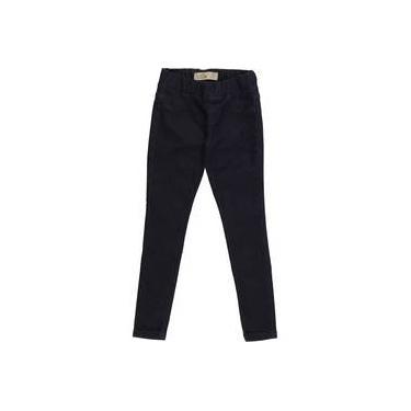 Calça infantil legging jeans escura com bordado de coração no bolso jegging LUK