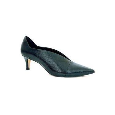 Bota Feminina Ankle Boot Salto Baixo Bico Fino em Verniz Cecconello 1297025