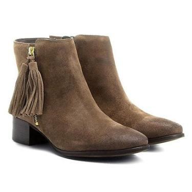 0ec39f89a Bota Couro Cano Curto Shoestock Barbicacho Feminino - Feminino Caramelo
