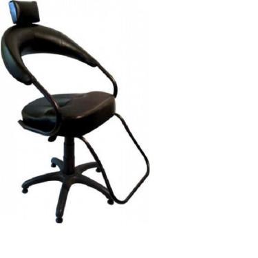 Cadeira Barbeiro Cabeleireiro Para Salão Beleza Cor Preta