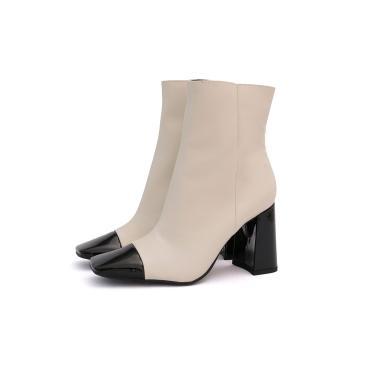 Bota Its Shoes Bico Quadrado Nude com Preto  feminino