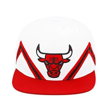 Imagem de Mitchell & Ness Boné de basquete masculino Chicago Bulls Stripe Peaks – Branco/Vermelho/Preto