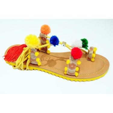 Imagem de Sandália Rasteira Gladiadora com Pom Pom Confortável Amarelo  feminino