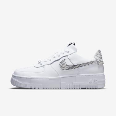 Imagem de Tênis Nike Air Force 1 Pixel Feminino