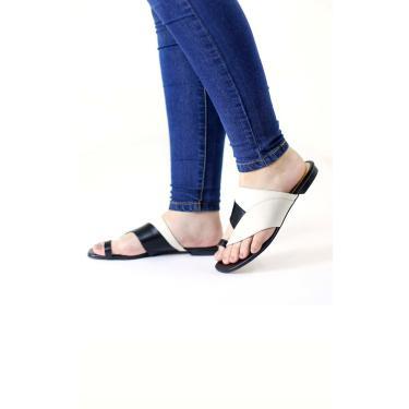 Rasteira em Couro Multicolor Assimétrica Dedo Le scarpe di Bruna - Off White  feminino