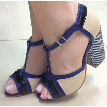 - Sandália Azul E Creme Tiras Salto Médio Alto Grosso