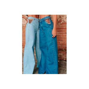 Calça Jeans Flare Bolso Vazado Corrente Lateral Aberta Feminina