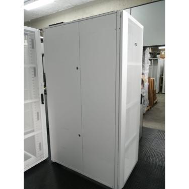 Rack Para Servidor Panduit Branco 45U (210cm) x 80 cm x 140cm Branco - com Estabilizador de Piso
